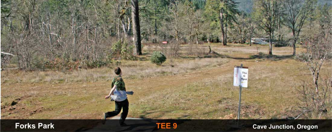 Forks-Park-disc-golf-Cave-Junction-tee-9