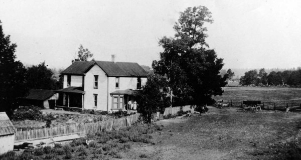 Photo of the 1906 residence at Fort Briggs. Oregon Caves Road Guide, Cave Junction, Oregon