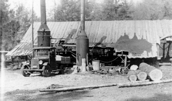 Historic photo of the Fulk Lumber Mill taken in the 1930s. Oregon Caves Road Guide, Cave Junction, Oregon.