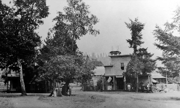 Historic photo of Holland Store and hotel in southwest Oregon, Cave Junction, Oregon