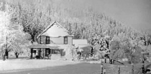 Photo of the Lind Road House, Oregon Caves Highway, Cave Junction, Oregon