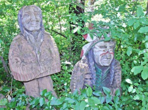 Photo of wood carvings at Woodland Echoes, Oregon Caves Highway, Cave Junction, Oregon