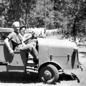 Photo showing the narrow gauge truck in 1944. Photo by Gillin Chalmer, 1944. Cave Junction, southwest Oregon